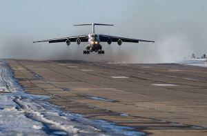 Il-76 Transport Landing (photo: Kommersant / Anatoliy Zhdanov)