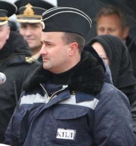 Nevskiy Captain Vasiliy Tankovid Addresses His Crew (photo: Pressa-tof.livejournal.com)