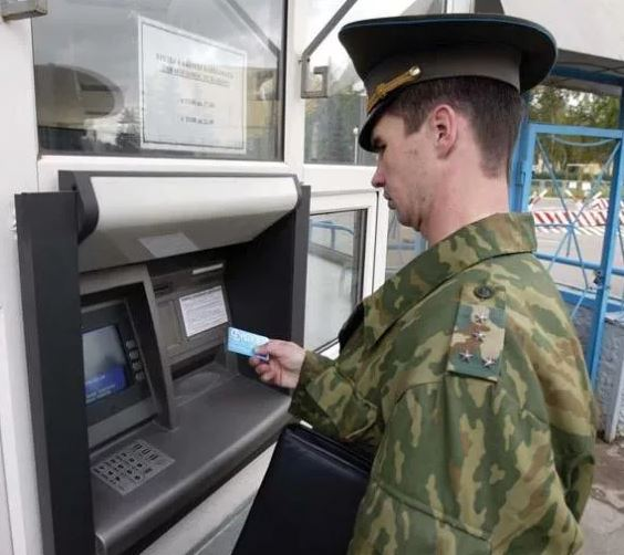 Kremlin Raising Military Pay