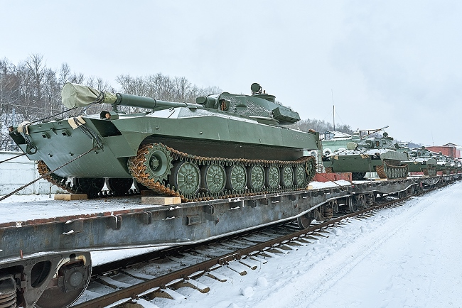 2S1 Gvozdika 122-mm SP howitzers leaving the factory in Perm