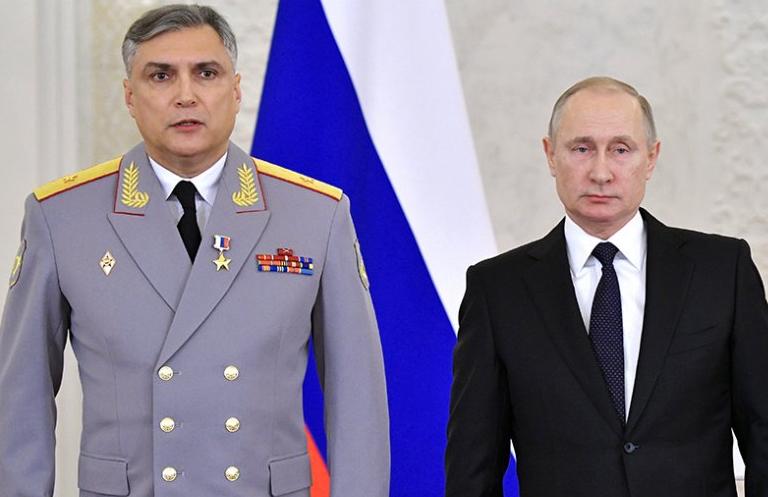 Matovnikov as general-major next to Putin