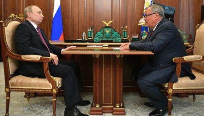 Putin with VTB chief Kostin in August 2019