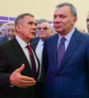 Borisov (right) with Tatar President Rustam Minnikhanov